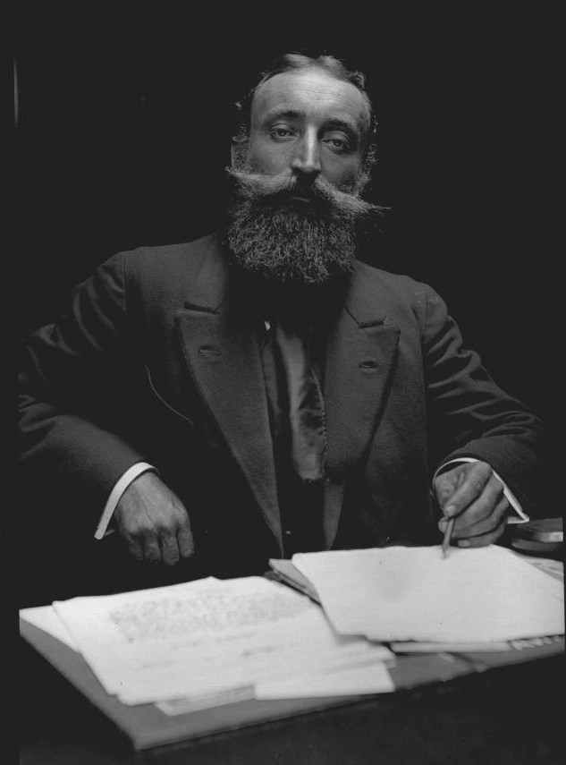 Well-bearded gentleman from the first half of the 20th Century